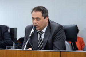"""""""Aprovação do SISEI-MG confirma nosso empenho na ampliação do mercado para pequenos e médios agricultores"""", afirma deputado Glaycon Franco"""