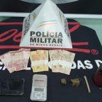 Batida policial nos Bairros Nossa Senhora da Paz e São João conduz cinco por tráfico de drogas