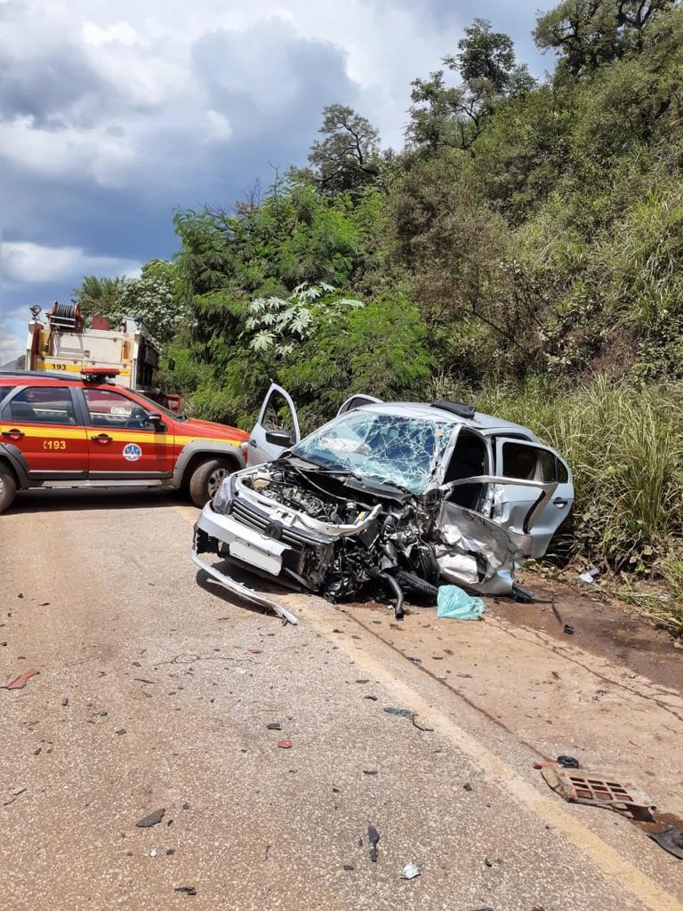Motorista fica ferido em acidente na MG- 030