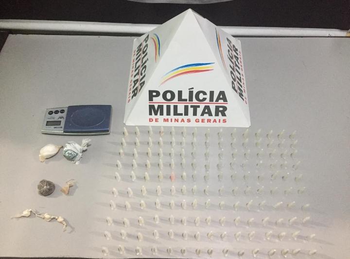 Polícia apreende drogas e conduz envolvidos com o  tráfico
