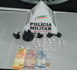 Após denúncia anônima, Polícia Militar encontra drogas em casa abandonada