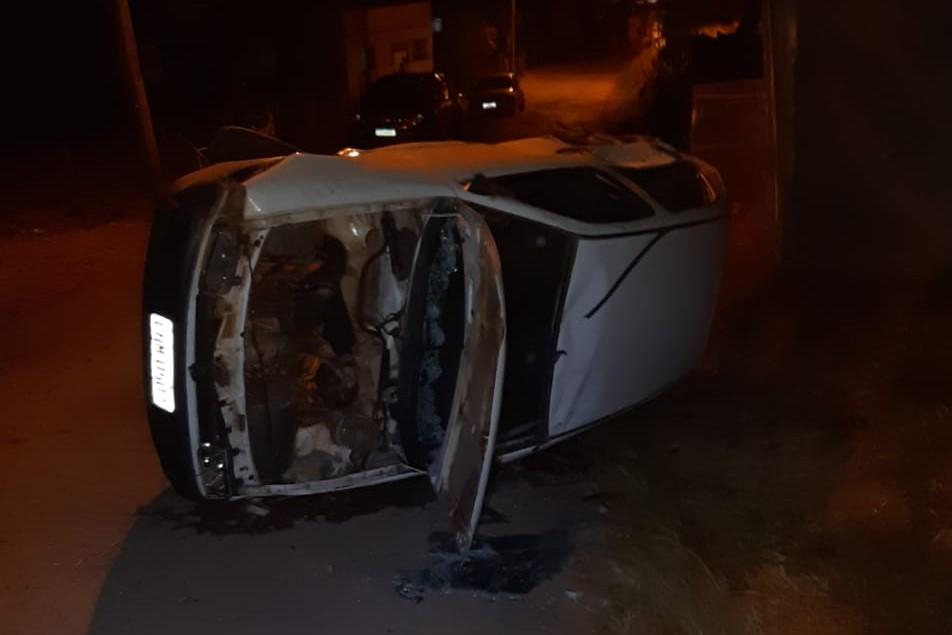 Condutor inabilitado fica gravemente ferido em acidente na MG-265