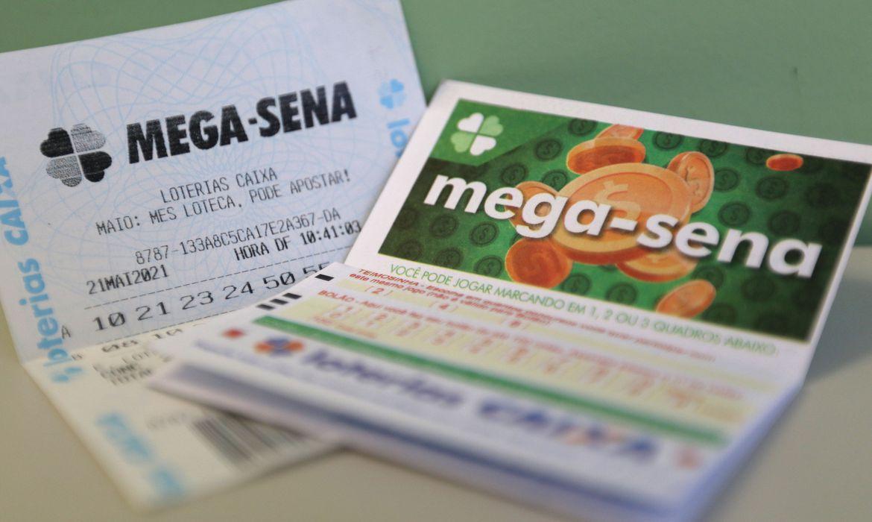 Acumulada, Mega-Sena pode pagar R$ 45 milhões no sorteio deste sábado  – Apostas podem ser feitas até as 19h; sorteio ocorre às 20h